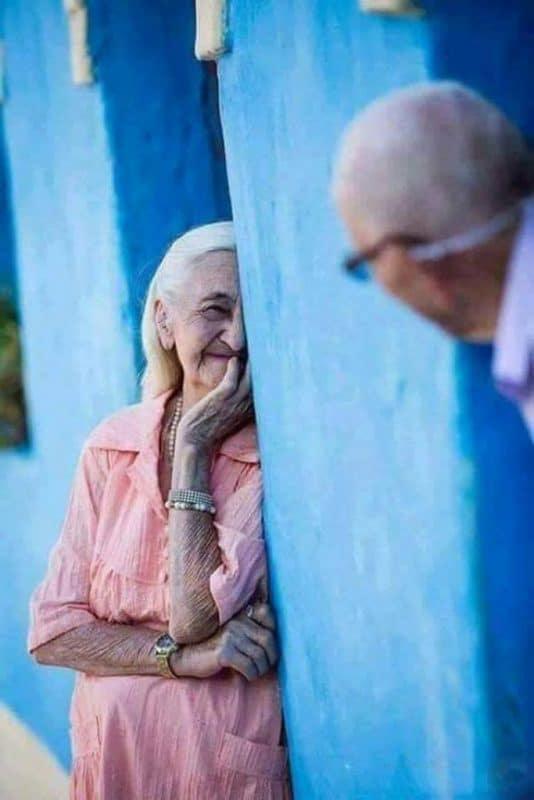 tình yêu tuổi già 683x1024 - Bộ ảnh về tình yêu tuổi già cực kỳ đẹp và dễ thương